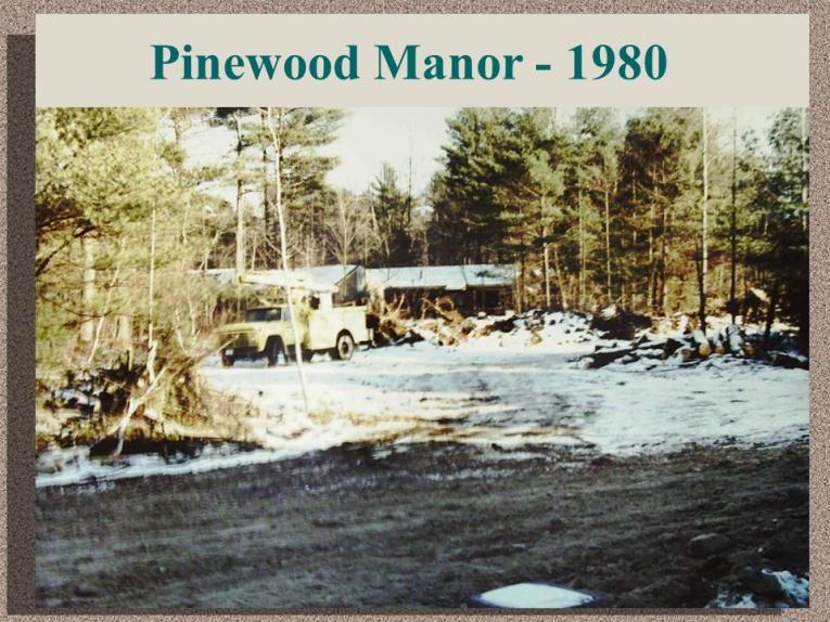 Pinewood Manor - 1980
